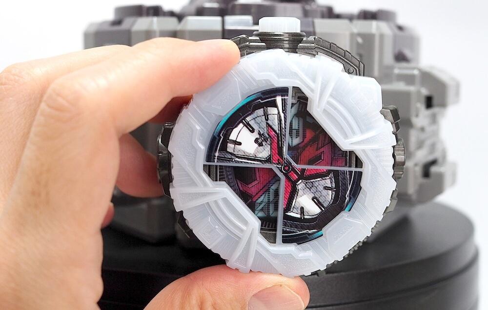 変身ベルト 電池蓋開け方6